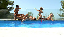 Sapphic sweety shag kickback nearthe pool